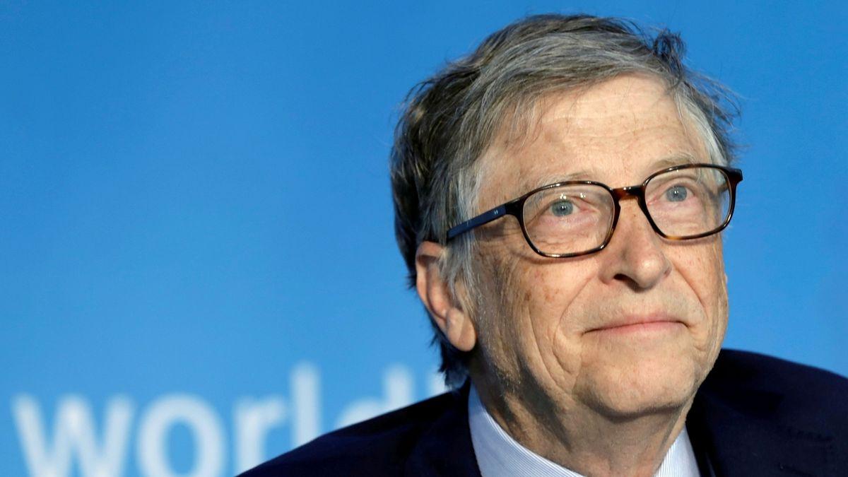 Bill Gates vidí světlo na konci tunelu. Na svět v normálu si ale prý ještě počkáme