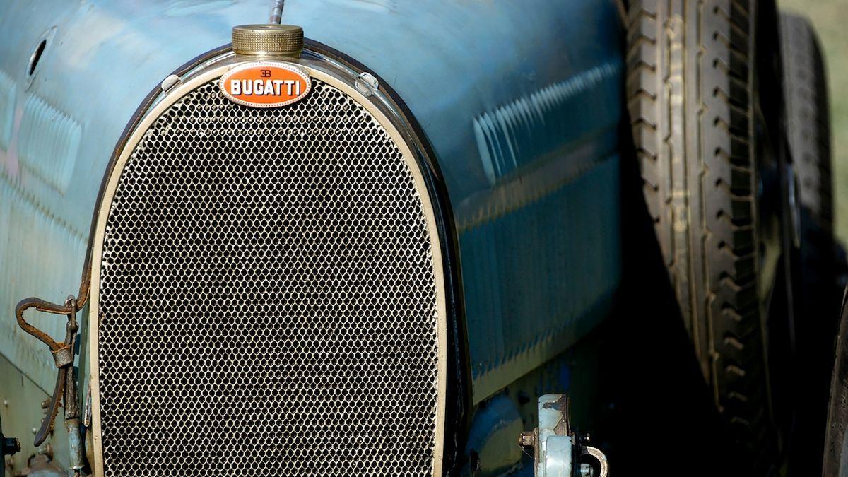 Bugatti 57S bylo 50 let ukryté, nyní je na prodej