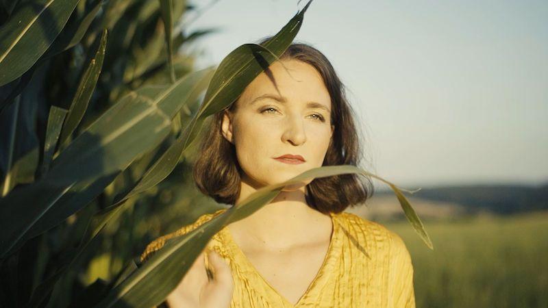 Adéla Michálková točila klip k písni Slunce přestává hřát na rozhlednách