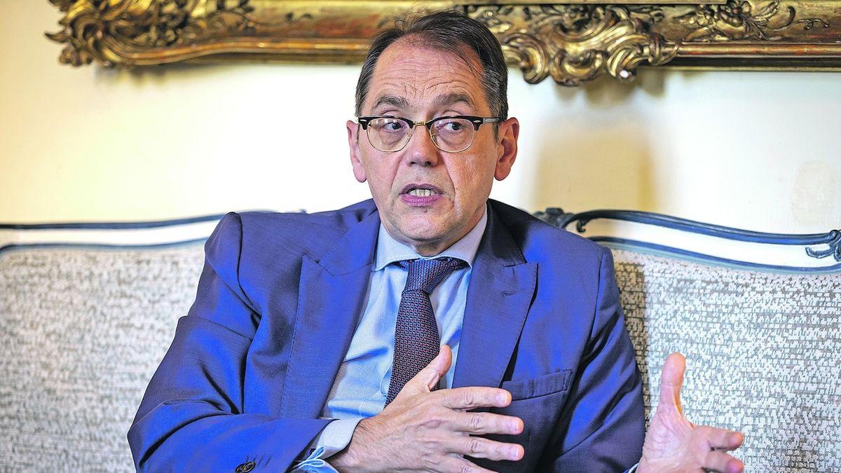 S koronavirem se budeme muset naučit žít, říká francouzský velvyslanec