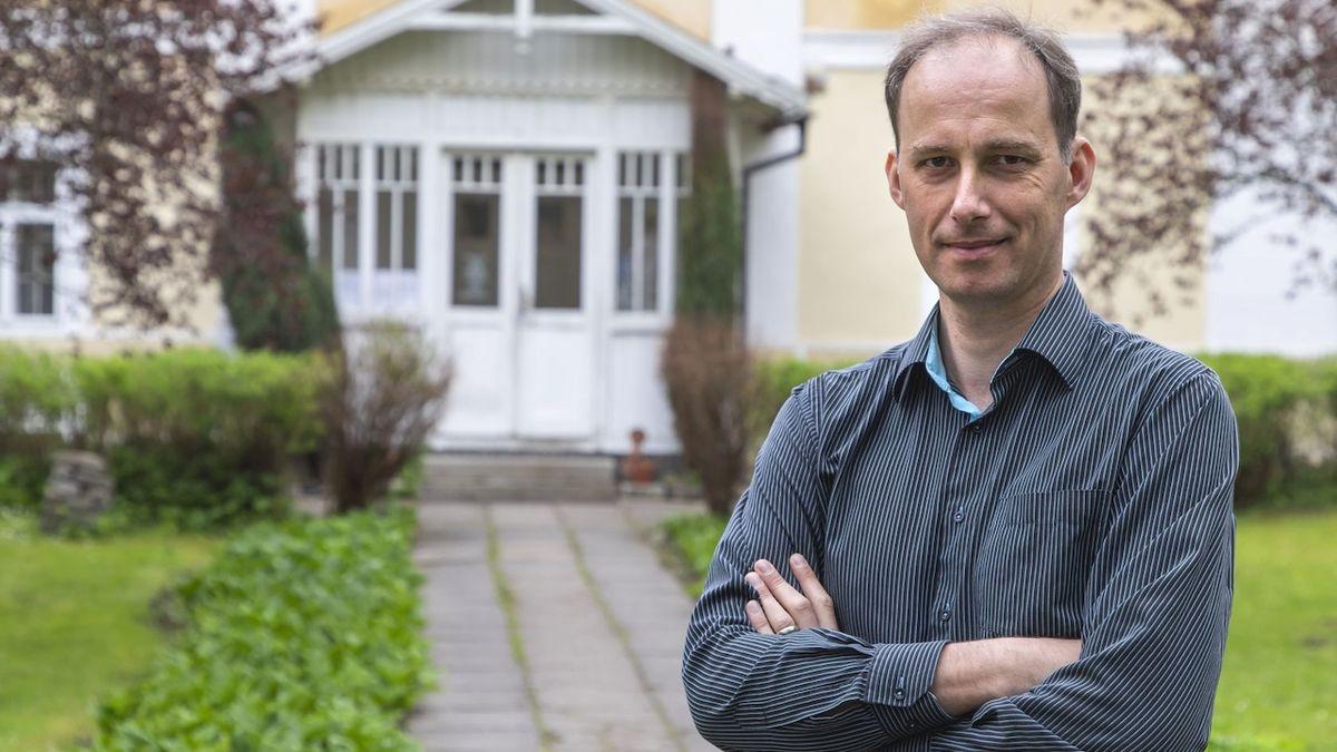 Ředitel Památníku Karla Čapka Zdeněk Vacek: Výstavou připomínáme drama R.U.R.