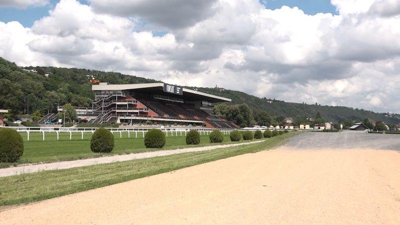 Dostihové závodiště ve Velké Chuchli prošlo rekonstrukcí za 277 milionů korun