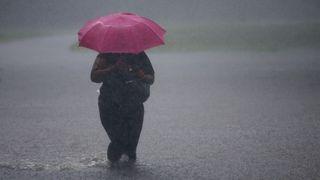 Až do večera hrozí silné bouřky, varovali meteorologové