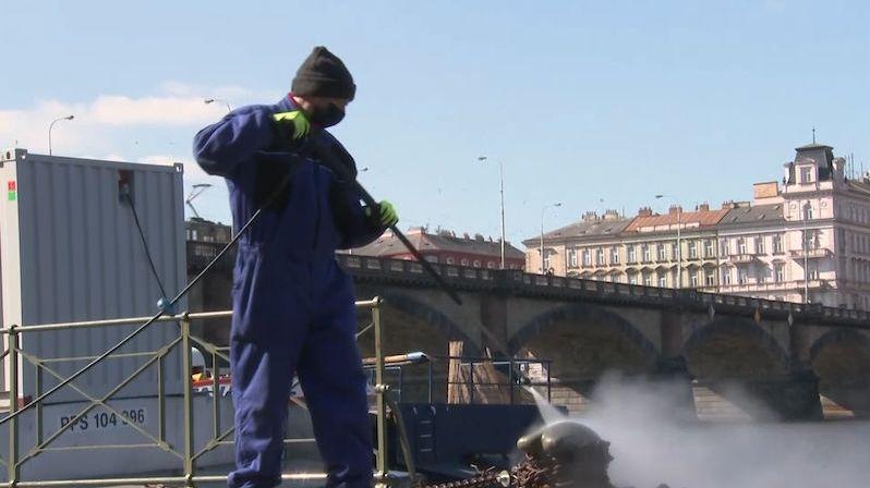 Chystá se velké testování v Praze, náhodně se vybere 5000 lidí