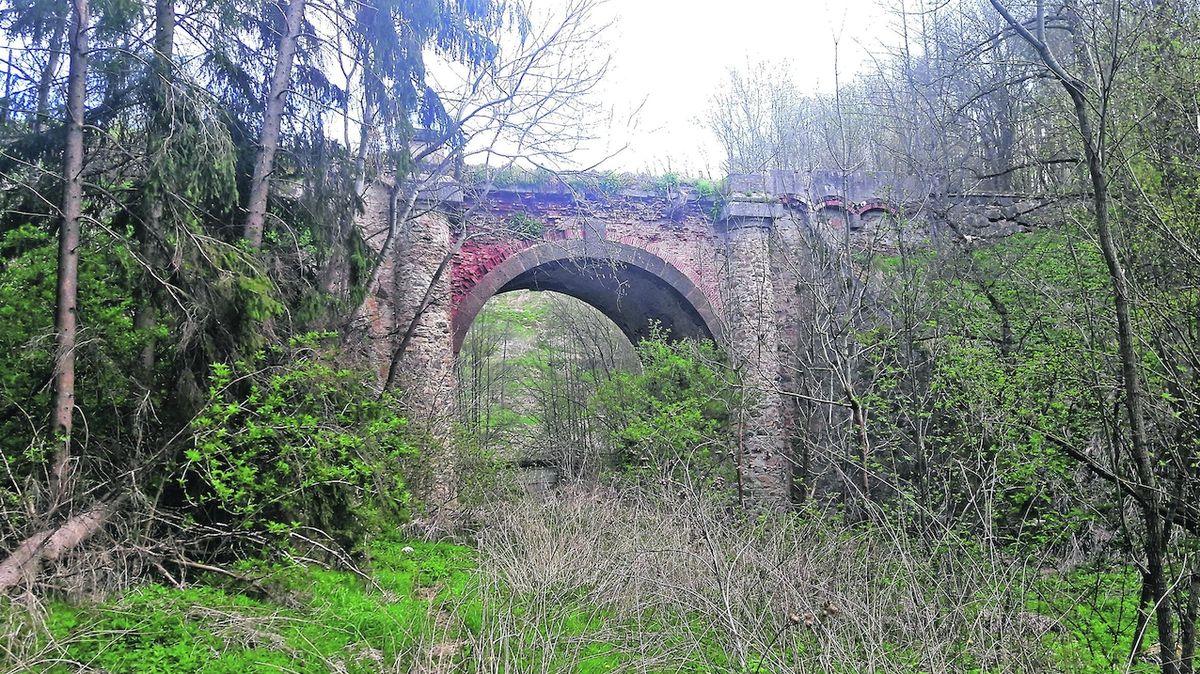 Stát nabízí most, který nikam nevede