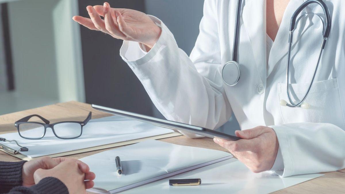 Téměř třetina lidí ignoruje rady lékařů