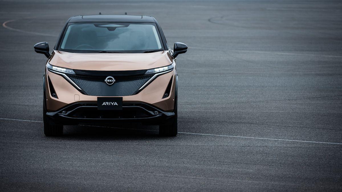 Nissan odhaluje plány renesance, Evropu čekají elektrifikovaná auta