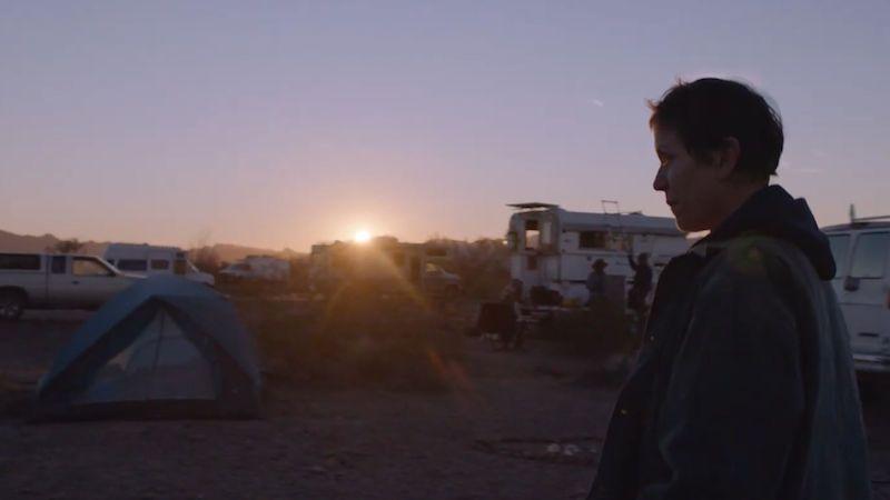 Panteři, nomádi, metalový bubeník. Který z osmi snímků si dnes v noci odnese Oscara za nejlepší film?