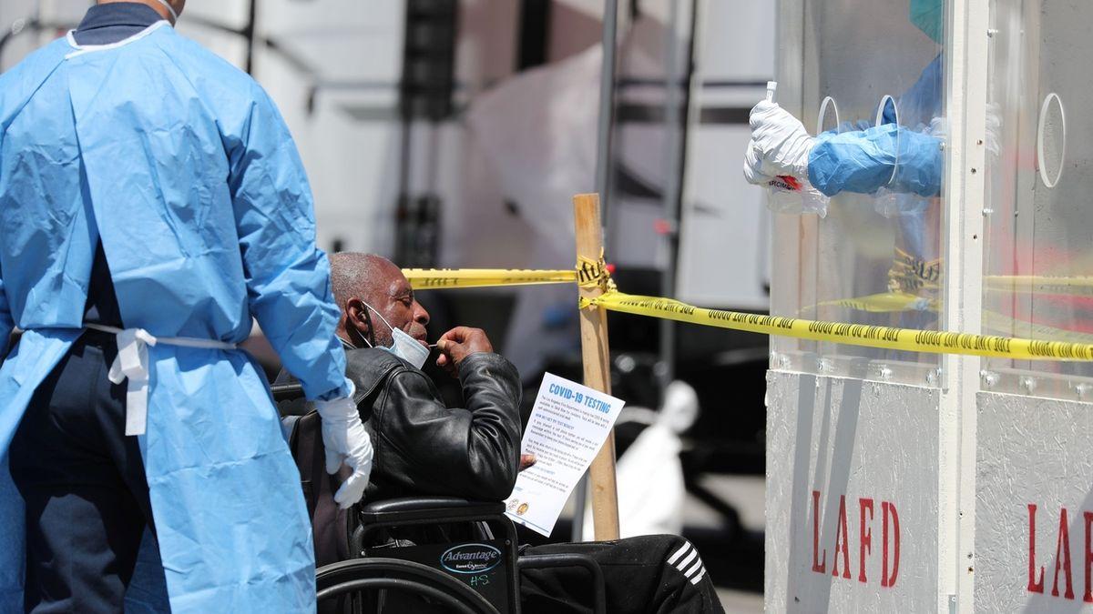 V USA zemřelo loni kvůli pandemii nejvíce lidí v historii - přes tři miliony