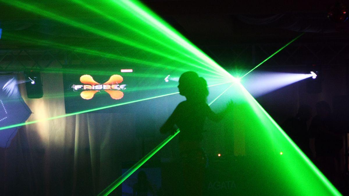 Hudební kluby žádají soud, aby zrušil omezení tance