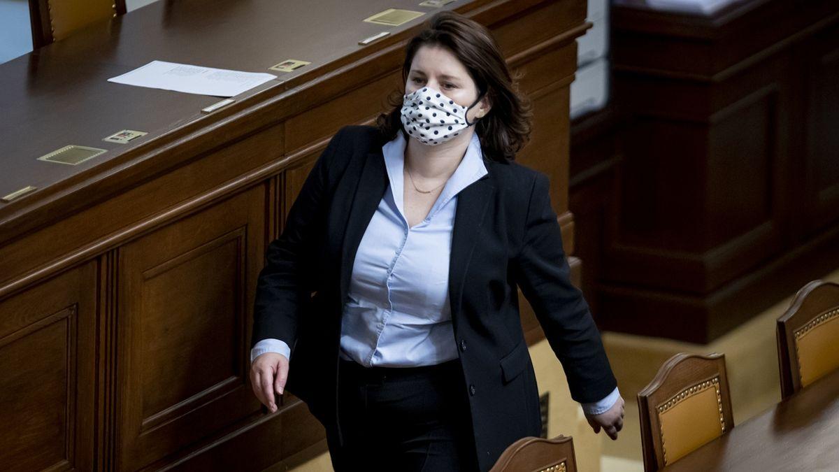 Sněmovna schválila příspěvek v izolaci až 370 korun denně