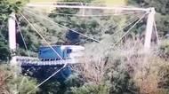 Nákladní auto vjelo v Bratislavě na most pro cyklisty
