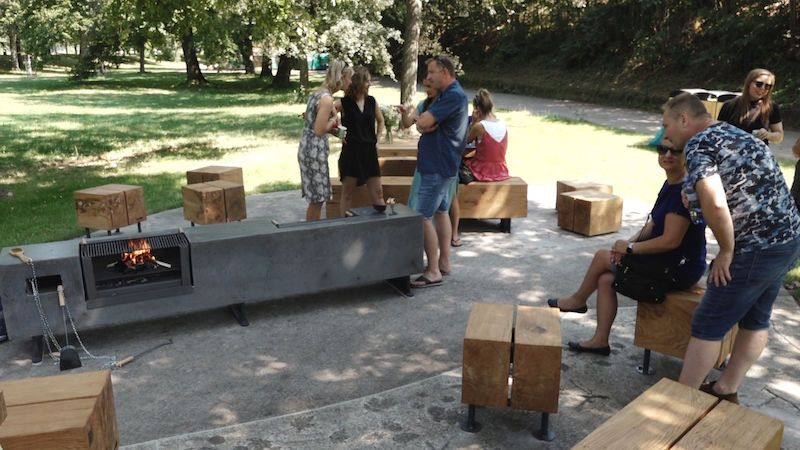 Piknik ve Stromovce stylově: nové grilovací místo navrhla architektka, přístupné je každému