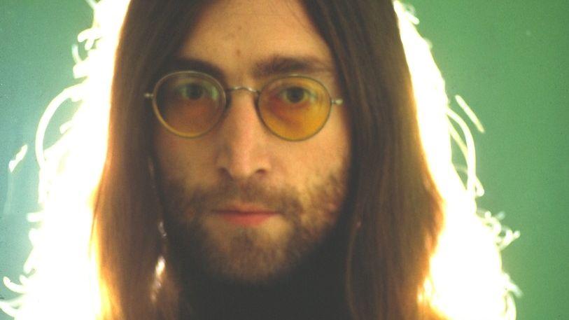 Zpěvák, vizionář a rebel John Lennon se narodil před 80 lety