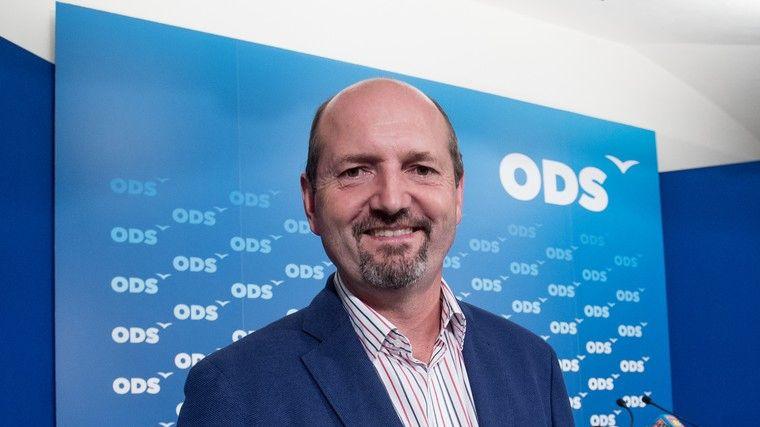 Senátor Karpíšek má koronavirus, půlka klubu ODS je v karanténě