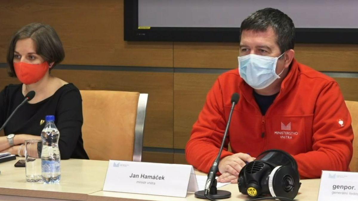 Hamáček: Chceme zrušit zákaz vycestování. Neznamená to ale otevření hranic