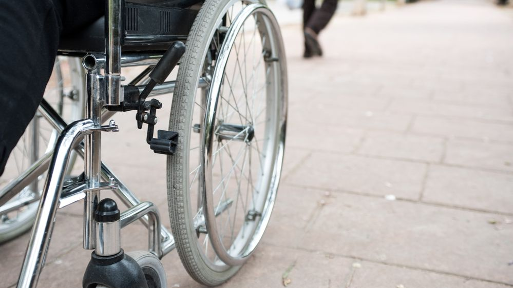 Hluchoněmý vozíčkář se pokusil přepadnout klenotnictví