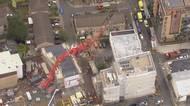V Londýně se na domy zřítil stavebníjeřáb