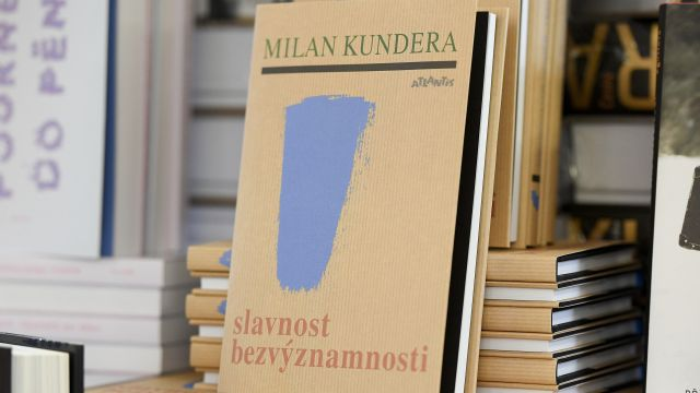 V zahraničí novou knihu Kundery chválí i odmítají