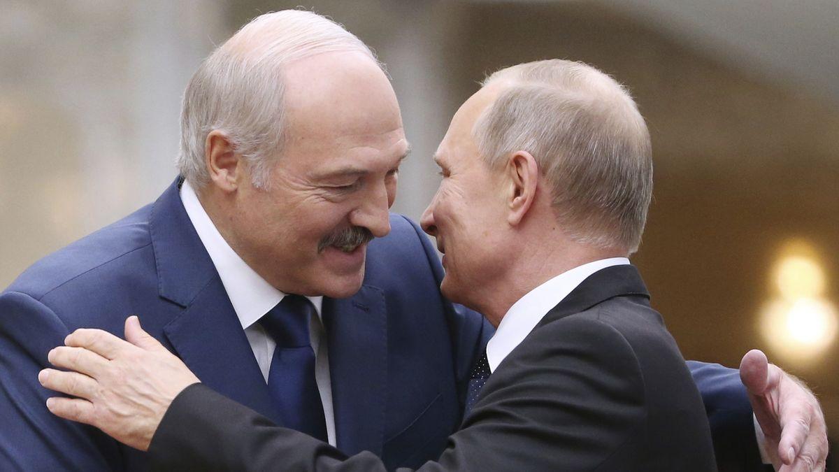 Lukašenko je připraven pozvat ruskou armádu