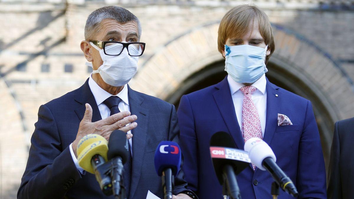 Andrej Babiš a ministr zdravotnictví Adam Vojtěch na fotografii z letošního května