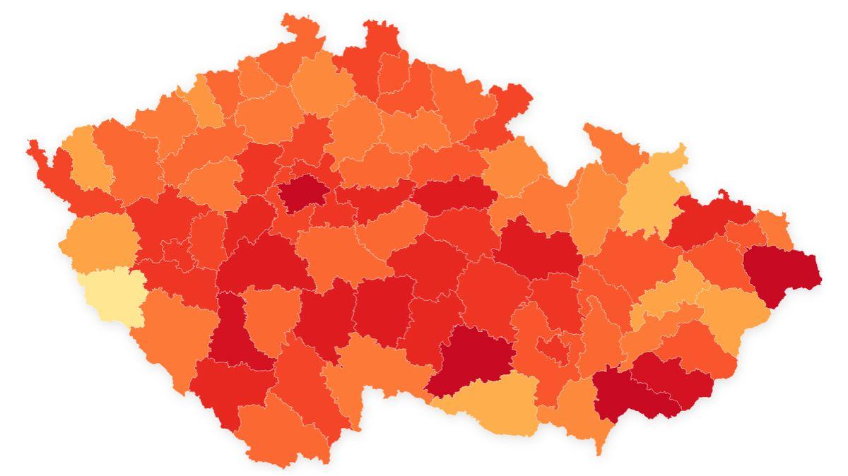 V Domažlicích 5, v Hodoníně o 130 více. Mapa ukazuje, kde se šíří koronavirus
