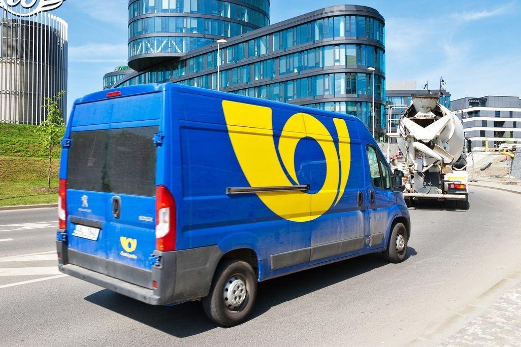 Česká pošta podle Nejvyššího soudu postupovala protiprávně, když svému řidiči v Praze vyplácela mzdu o 3000 Kč hrubého více než kolegovi v Olomouci.