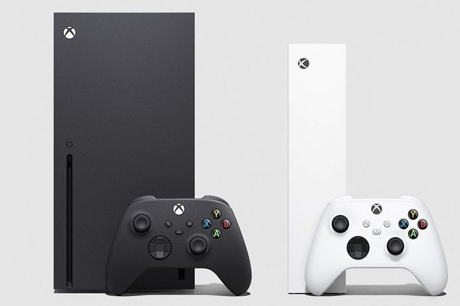 Oba nové Xboxy vedle sebe (vlevo je verze Series X)