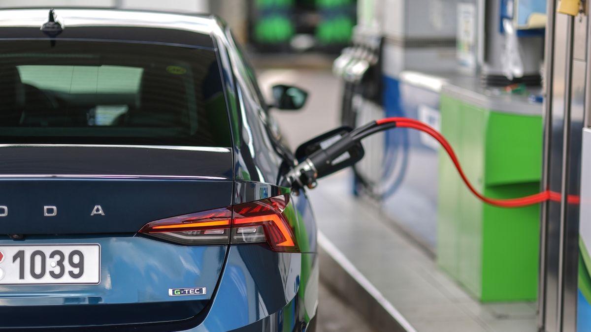 Pohonu vozidel na zemní plyn se v Česku daří