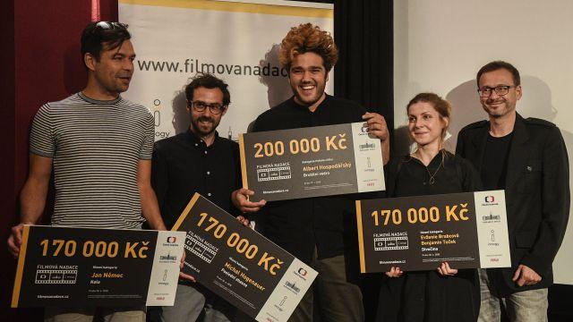 Filmová nadace ocenila scenáristy Němce, Brabcovou, Tučka a další