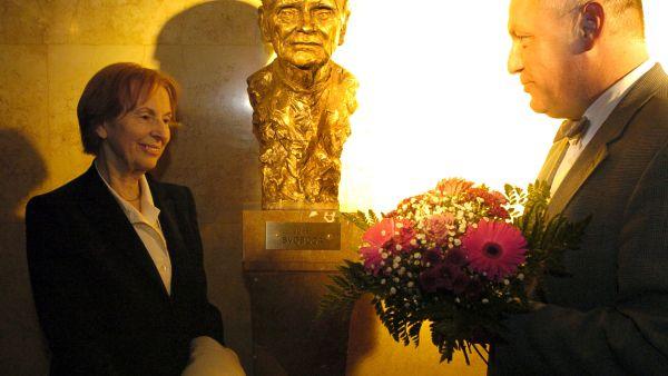 V Londýně zemřela česká sochařka Irena Sedlecká