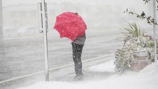 Metr sněhu a pád teplot. Do Evropy se žene ledový arktický vzduch