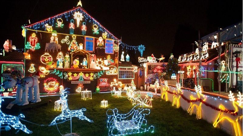 Prohlédněte si jedny z nejkýčovitějších vánočních výzdob, vyhněte se jejich napodobení