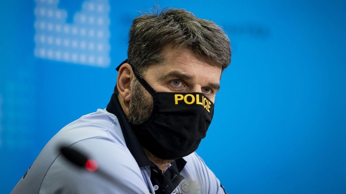 Policejní prezident Švejdar ke schůzce s Hamáčkem mlčí, čelí trestnímu oznámení