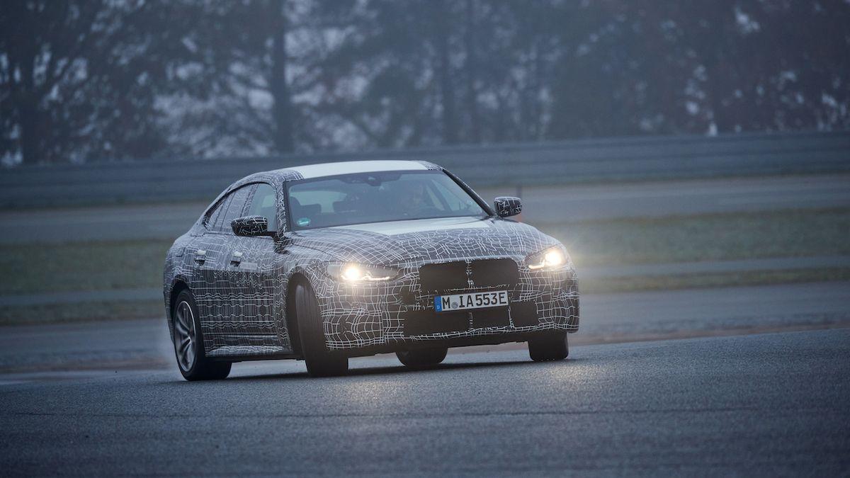 Prototyp i4 jezdí bokem, BMW slibuje zábavný elektromobil