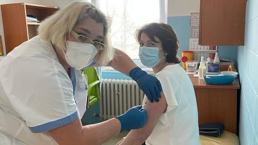 Starostka Jeseníku byla přednostně očkována na covid-19
