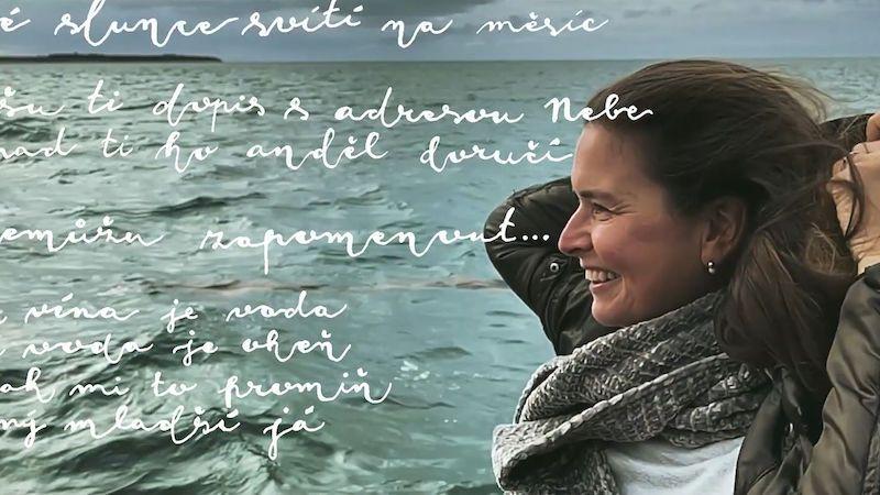 Lenka Nová točila u moře videoklip Pro Boha