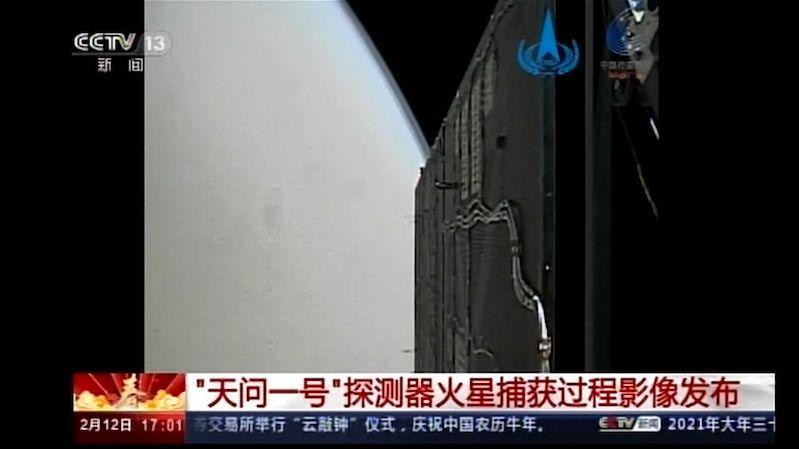 Čínská sonda poslala první obrázky z okolí Marsu