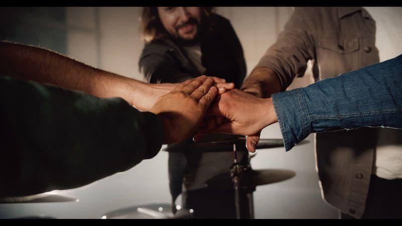 Skupina O5 a Radeček zpívá v písni BRA3 o bratrství, sesterství a přátelství