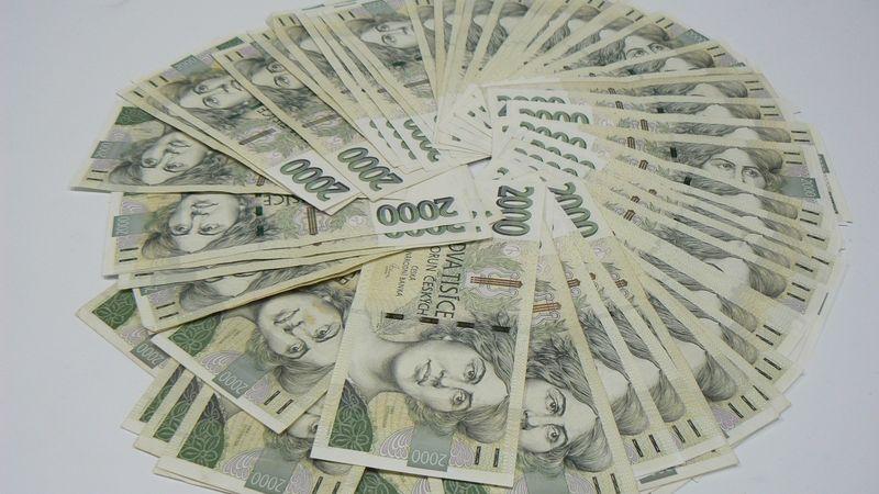 Banky už plánují obnovení výplaty dividend
