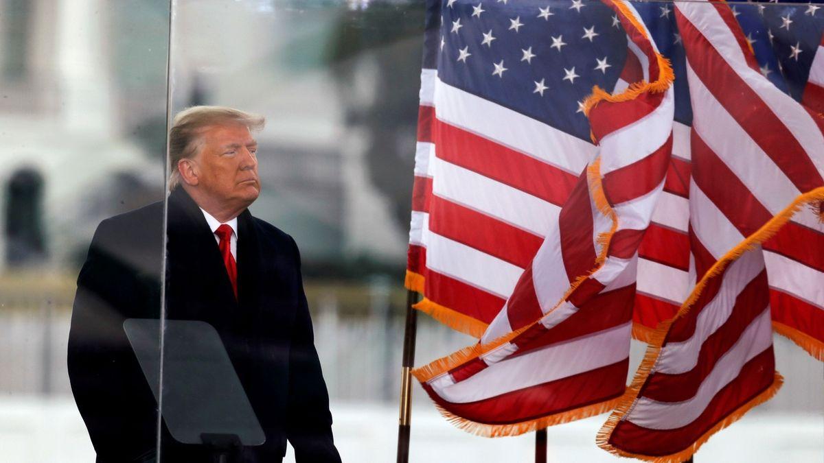 Trumpovi právníci cupovali ústavní žalobu jako politické divadlo