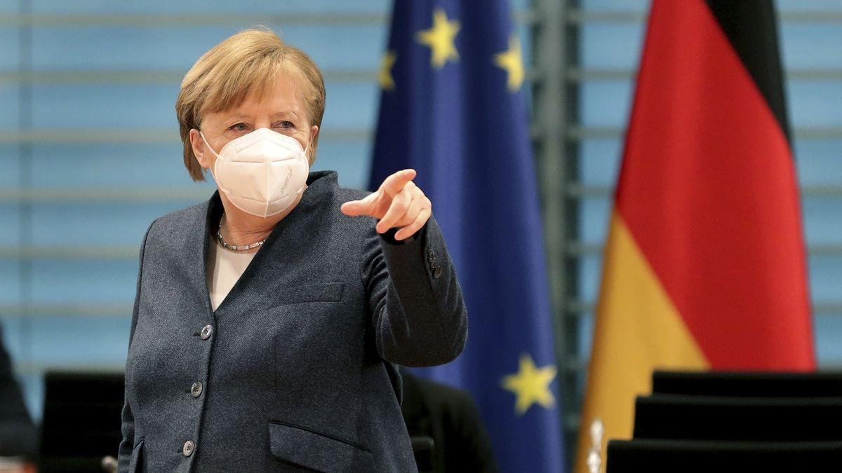 Merkelová chce prodloužit karanténu, zároveň ale rozvolňovat