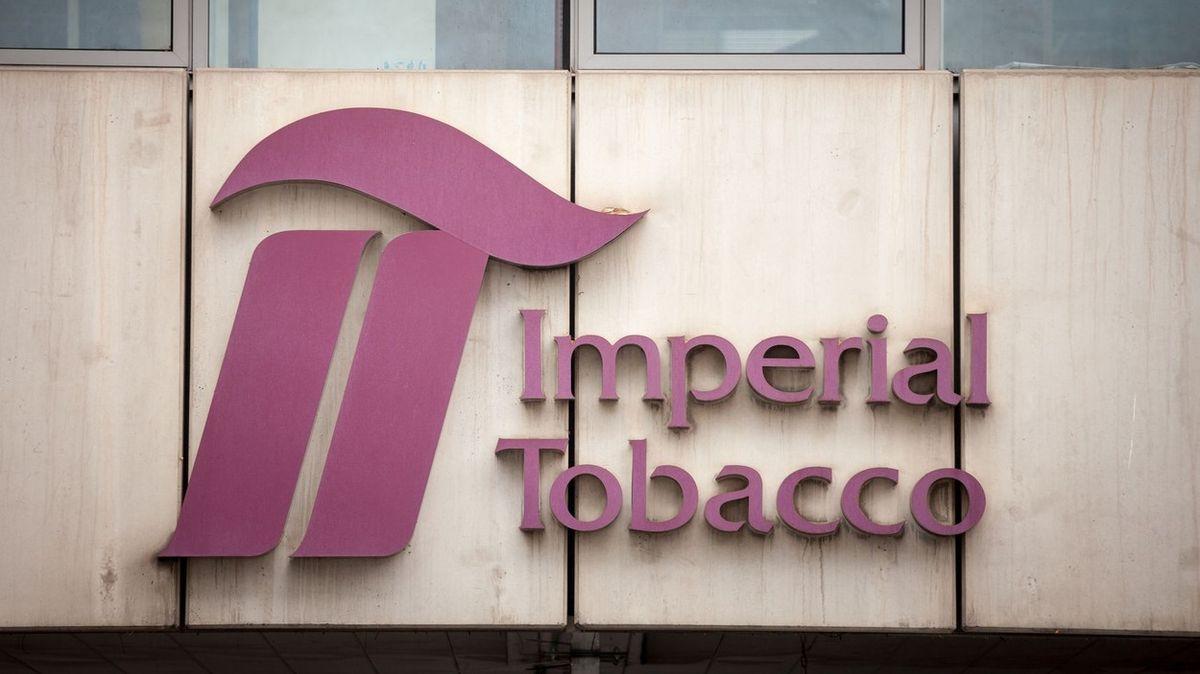 Imperial Tobacco v Česku se loni propadl zisk na polovinu