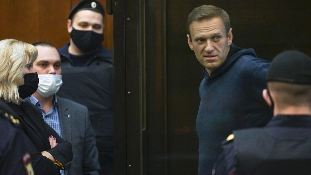 Navalného okamžitě propusťte, žádají Rusko světové mocnosti