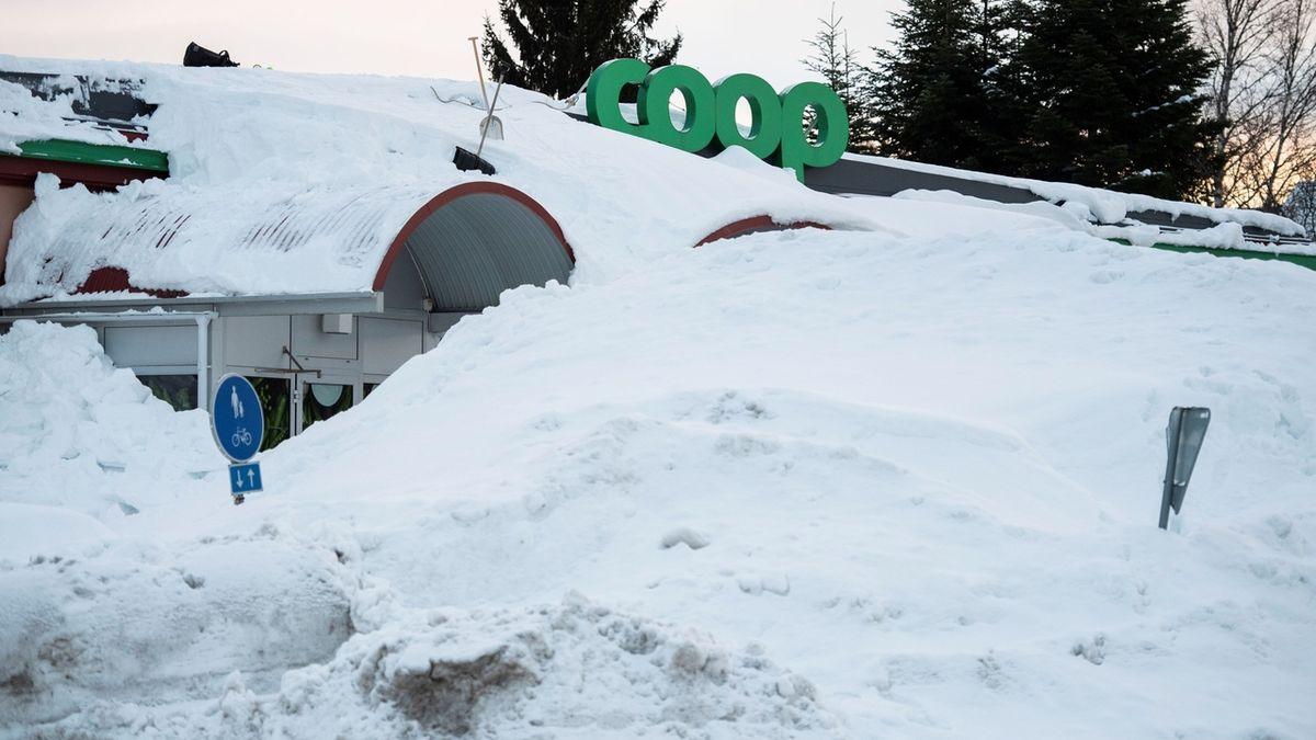 Sever Evropy zasypou masy sněhu, teploty spadnou pod minus 20