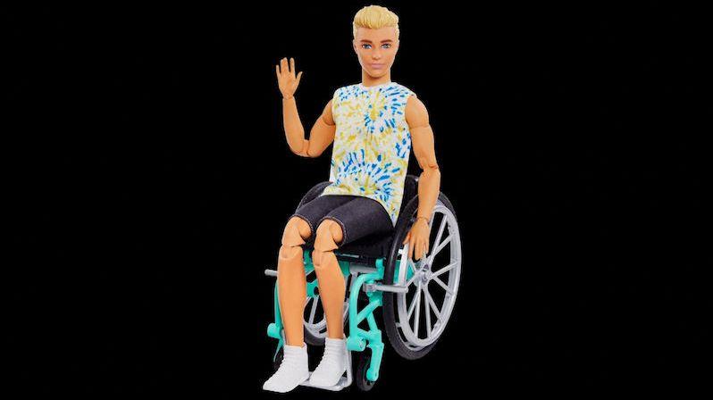 Ken dostal k šedesátým narozeninám invalidní vozíček
