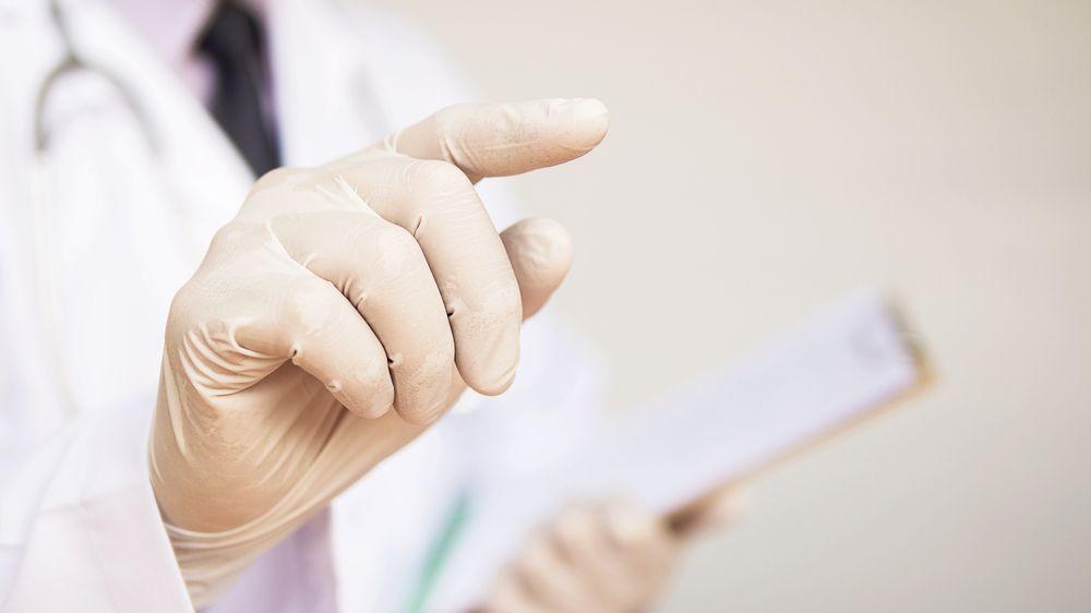 Falešný student medicíny ve Francii pracoval v nemocnici, teď spadla klec