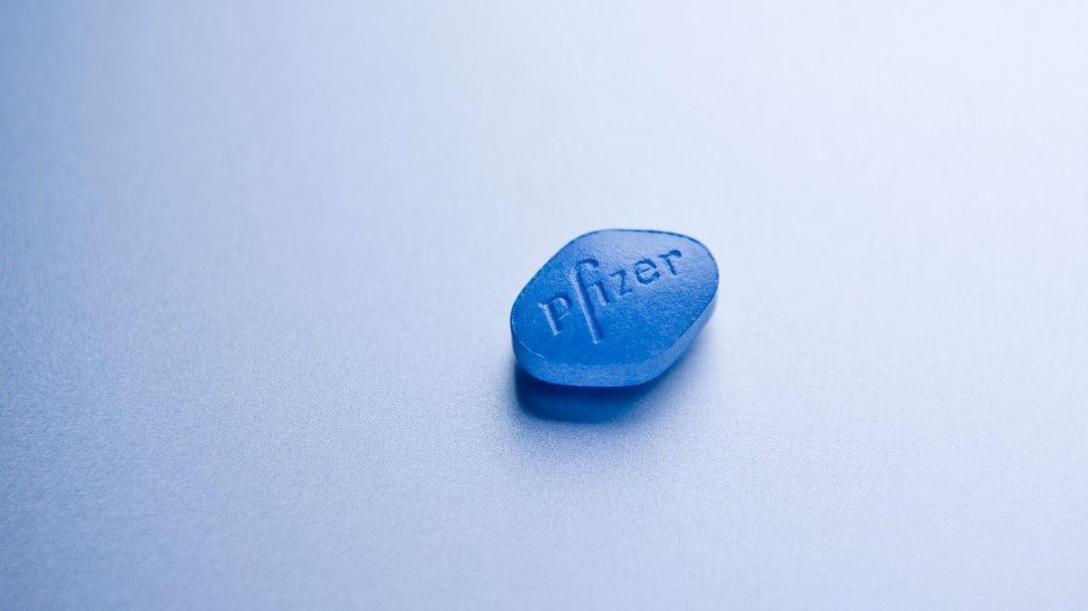 Pfizer začíná testovat tablety proti covidu