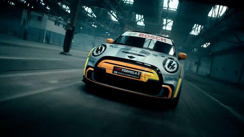 Mini ukazuje elektrický safety car. Může být předzvěstí JCW GP do zásuvky