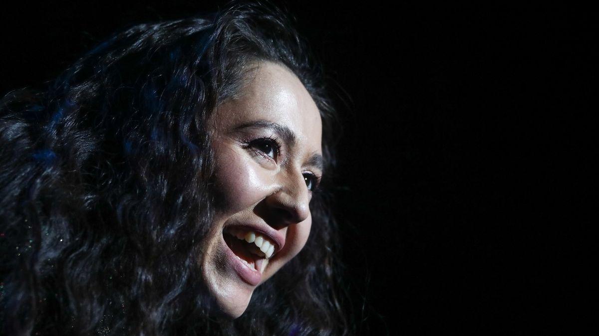 Zpěvačka na Eurovizi čelí vyšetřování za píseň o ženách